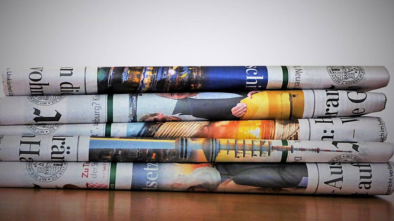 read-newspaper-color-paper-art-message-693725-pxhere.com